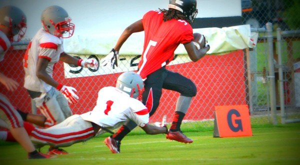 JV snaps losing streak with 40-7 rout