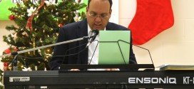 'Piano man' brings the holiday  spirit to Westside with concert