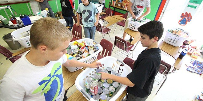 BCMS students collect food for families in need